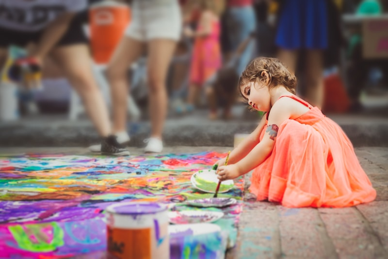 Children Photography, little girl painting the street